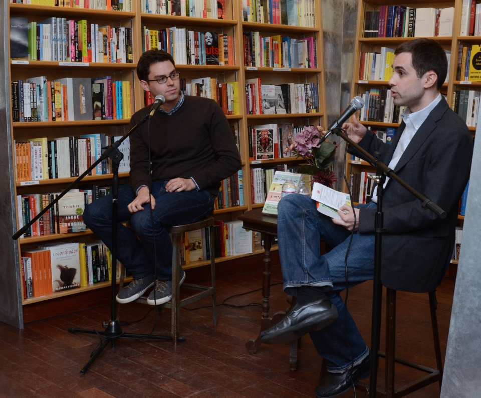 Rob Verger (right) interviews author Joshua Foer
